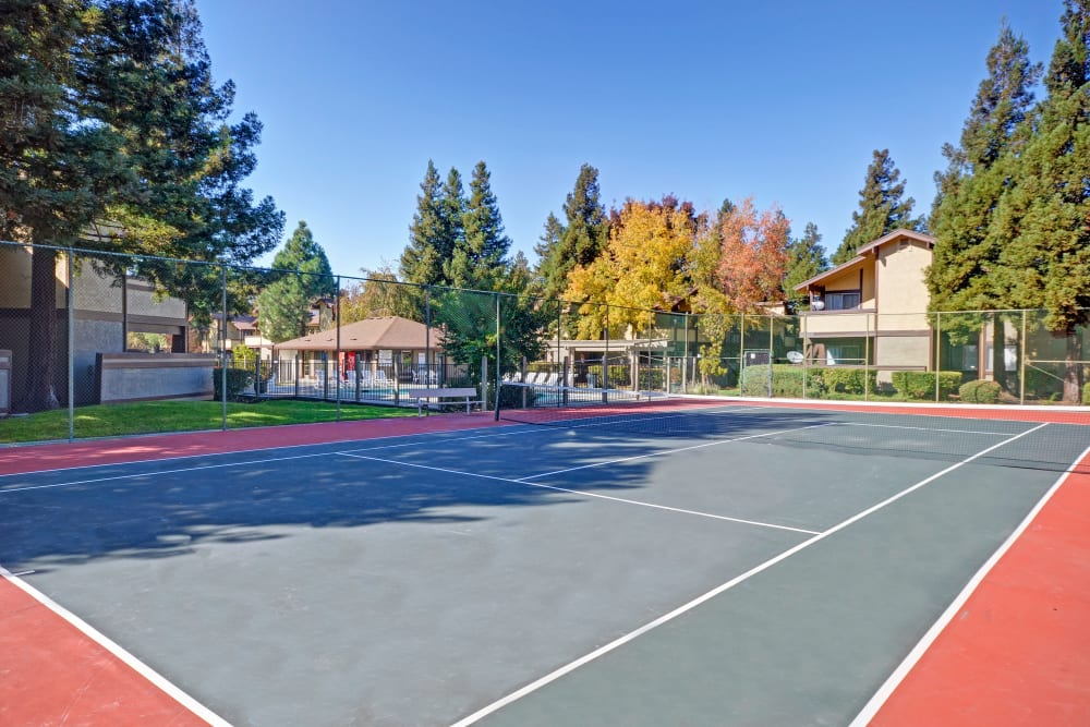 A tennis court at Avery Park Apartments in Fairfield, California