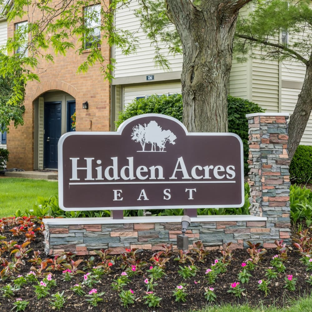 Sign in front of office at Hidden Acres East in Columbus, Ohio