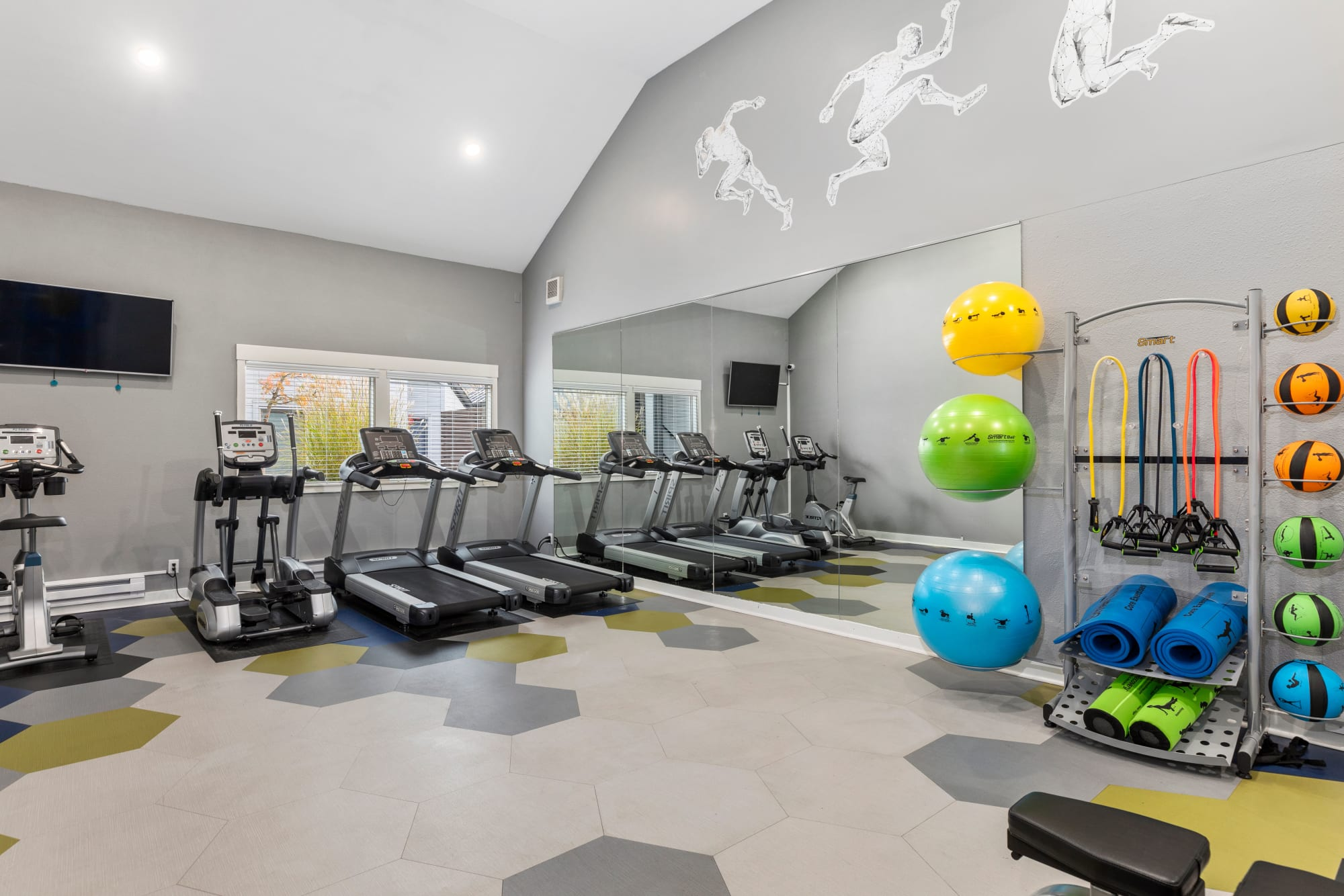 The 24-hour fitness center at Elan 41 Apartments in Seattle, Washington