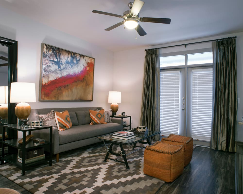 Enjoy a spacious living room at Savannah Oaks in San Antonio, Texas