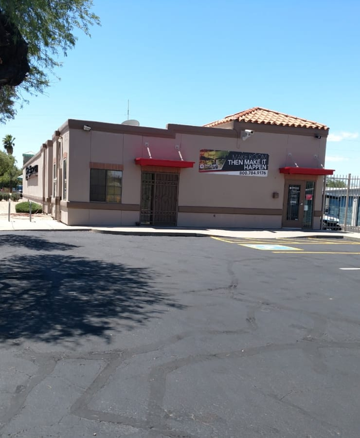 The exterior of the main entrance at StorQuest Self Storage in Tucson, Arizona