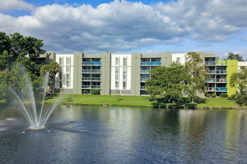Lake with fountain at apartments in Plantation, Florida