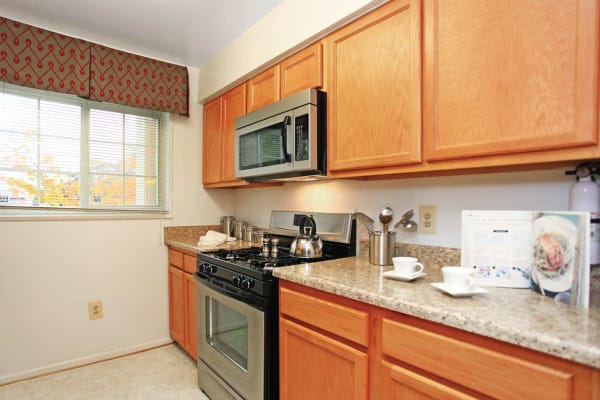 Fully equipped kitchen at Mount Vernon Square Apartments in Alexandria, Virginia