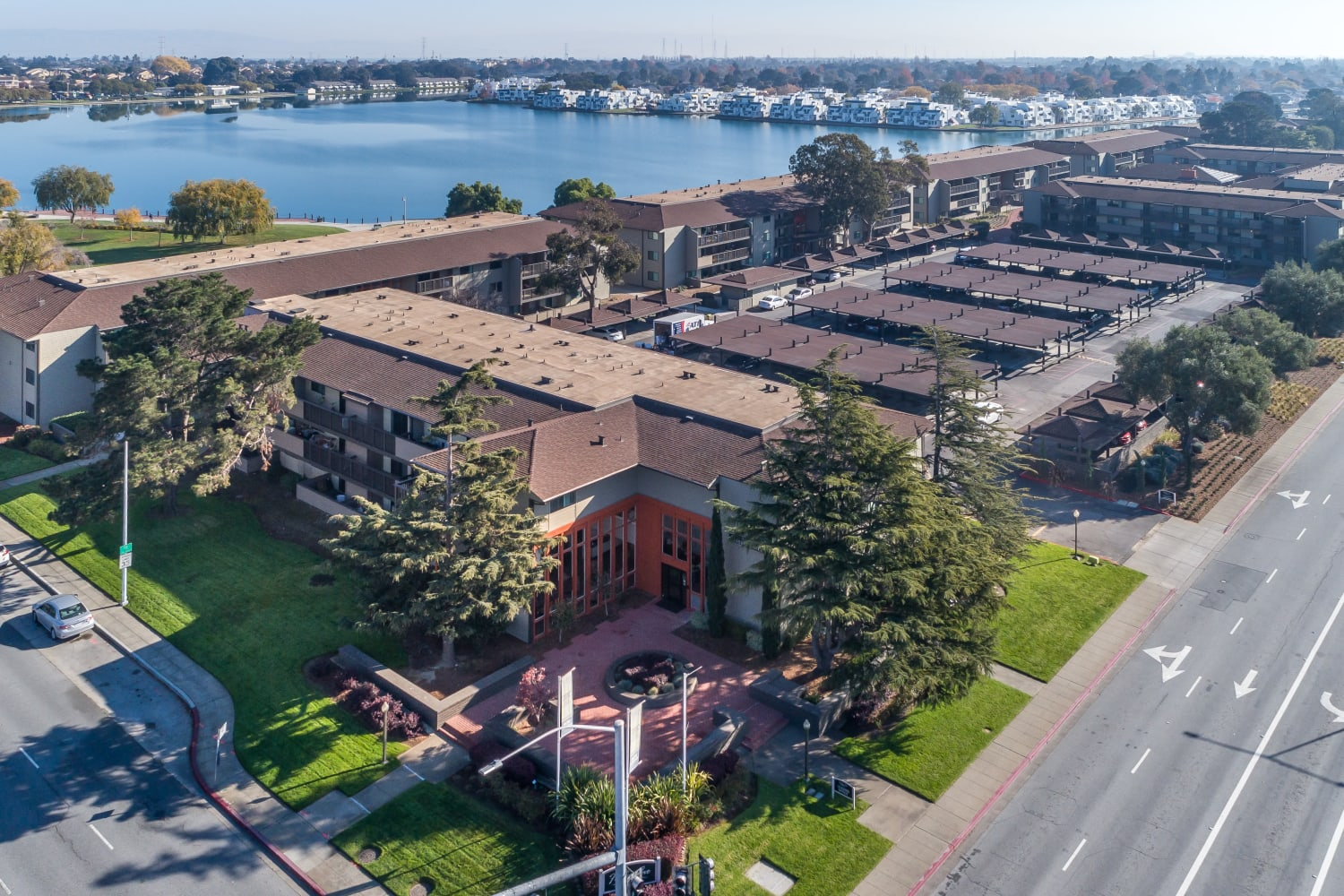 Harbor Cove Apartments in Foster City, California in centrally located for an easy commute