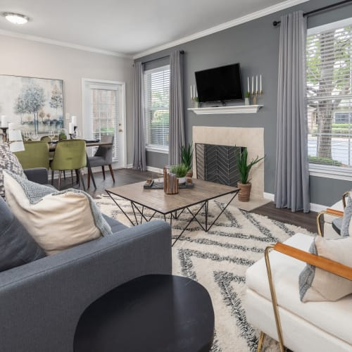View virtual tour for 2 bedroom 2 bathroom unit at Highlands at Alexander Pointe in Charlotte, North Carolina