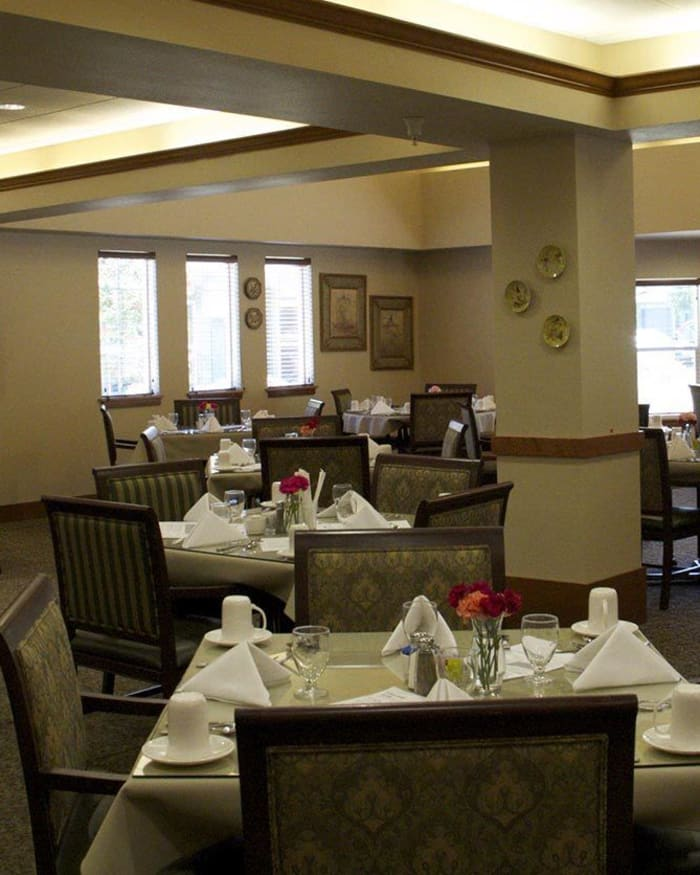 Full-Service Dining at The Springs at Mill Creek in The Dalles, Oregon