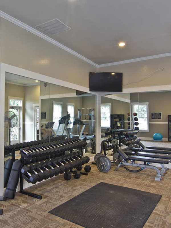 Enjoy our on-site fitness center at The Woods at Polaris Parkway in Westerville, OH