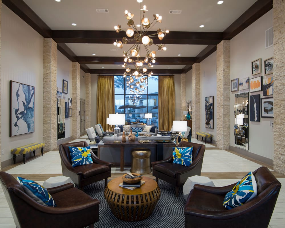 resident clubhouse lounge at Savannah Oaks in San Antonio, Texas