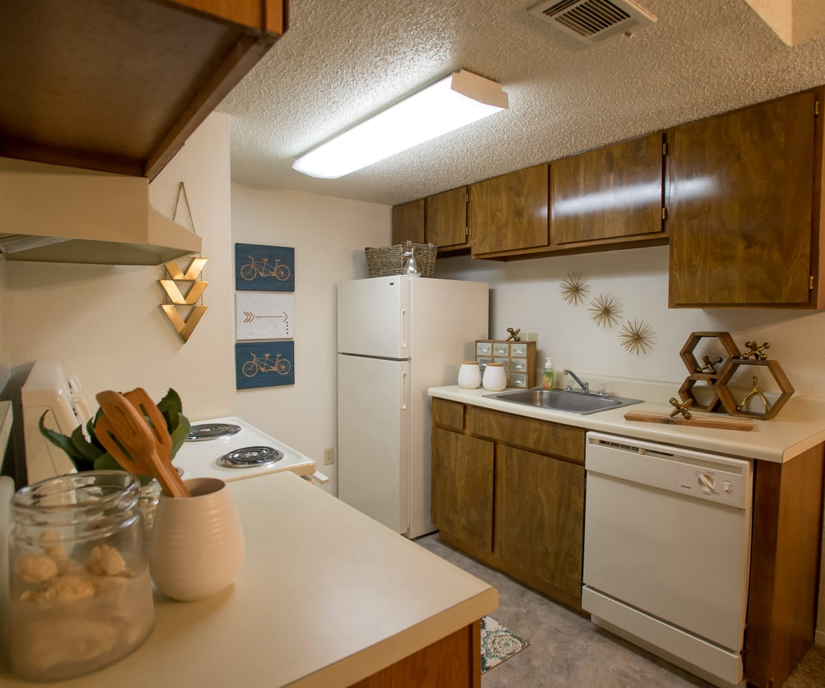 Kitchen with plenty of counter space at Cimarron Pointe Apartments in Oklahoma City, Oklahoma