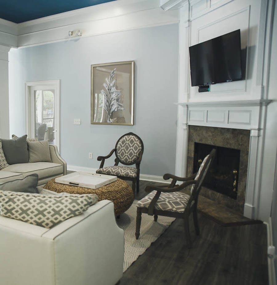 Living room at Brighton Park Apartments in Byron, Georgia