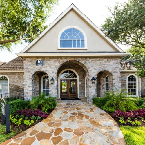 Resident referral bonus at Marquis on Westheimer in Houston, Texas