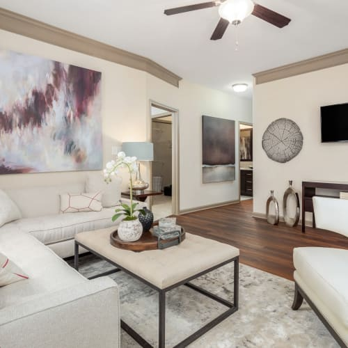View virtual tour for 2 bedroom 2 bathroom home at The District in Charlotte, North Carolina