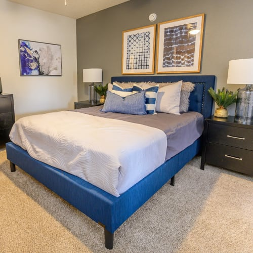View virtual tour for 1 bedroom 1 bathroom home at Laurel Heights at Cityview in Fort Worth, Texas