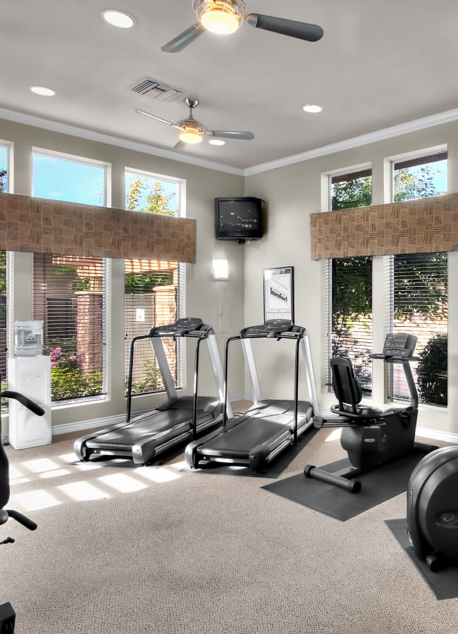 Clean fitness center at Cross Pointe Apartment Homes in Antioch, California