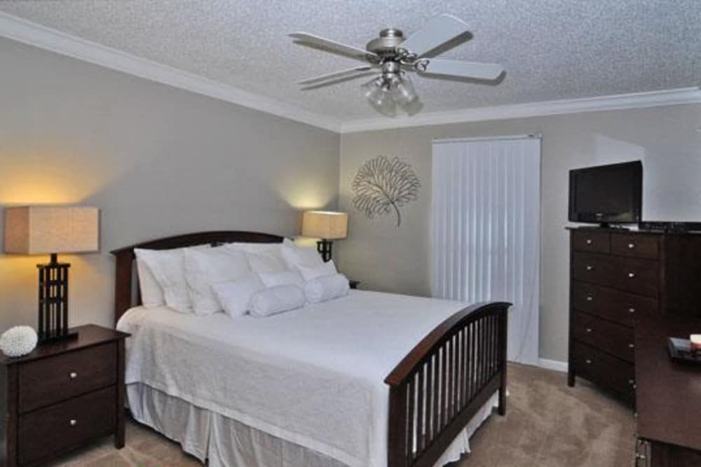 French Colony Apartments showcase a spacious bedroom in Lafayette, Louisiana