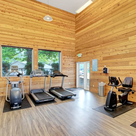 Newly renovated fitness center at Waters Edge Apartments in Kent