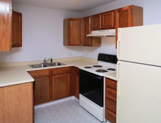 Sturbridge Meadows offers a kitchen in Sturbridge, MA