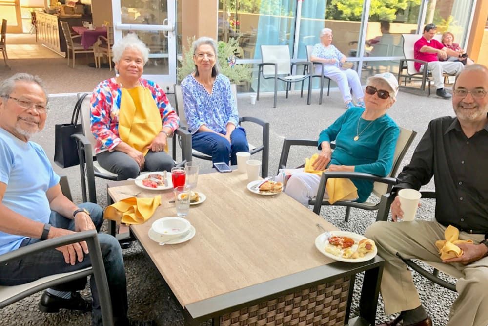 Outdoor dinner at Merrill Gardens at First Hill in Seattle, Washington
