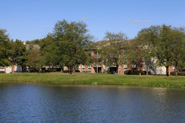 Clover Ridge East Apartments offers scenic views.