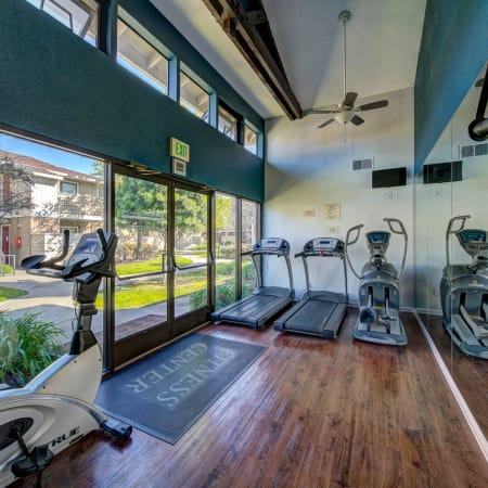 Amenities at Parkside Commons Apartments in San Leandro, California