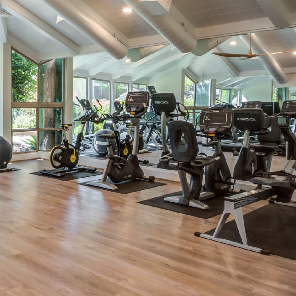 Fitness amenities at Glenbrook Apartments in Cupertino, California