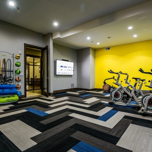 View virtual tour of the fitness center at The Blvd in Irving, Texas