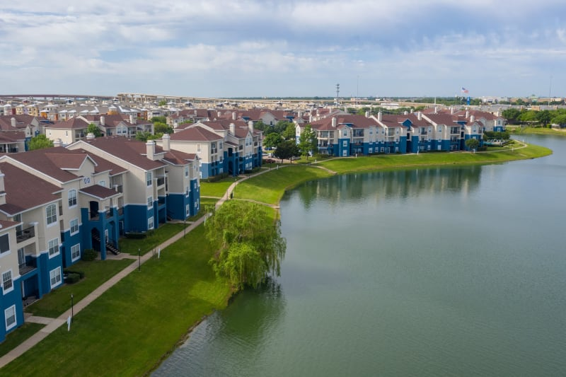 Aerial lakeside view at The View at Lakeside in Lewisville, Texas