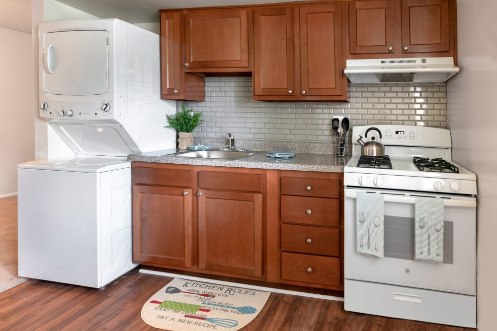 Modern kitchen at Commons at White Marsh Apartments in Middle River, Maryland