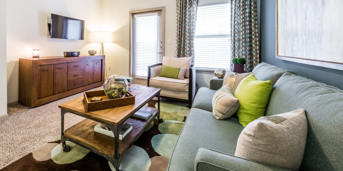 living room at Marquis on Lakeline in Cedar Park, Texas