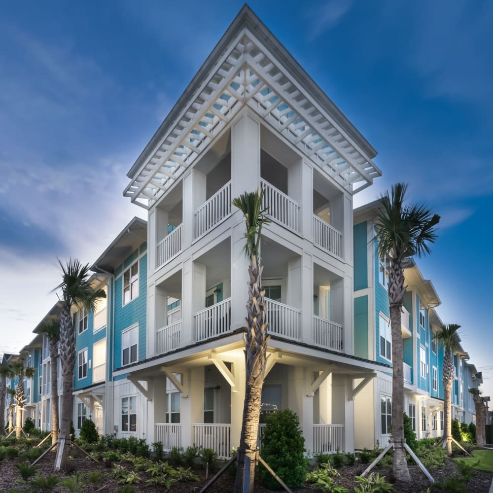 View the site for BluWater apartments in Jacksonville Beach, Florida
