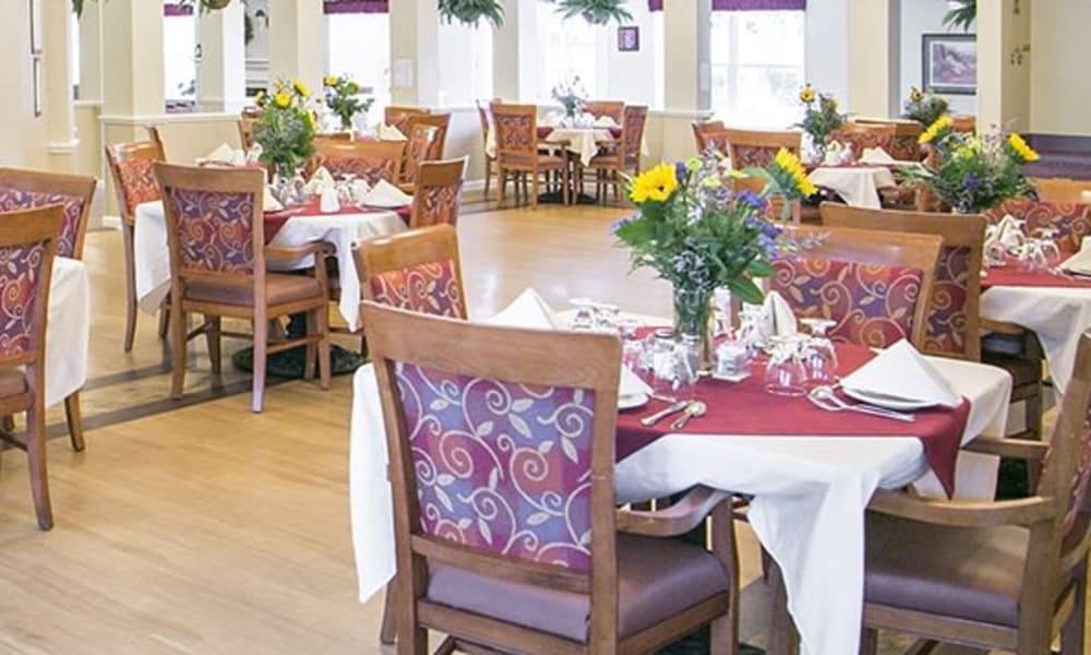 Resident dining hall at Randall Residence of Wheelersburg in Wheelersburg, Ohio