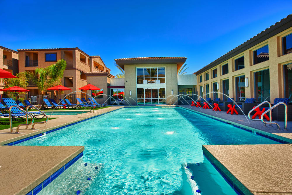 Beautiful swimming pool at Avenue 25 Apartments in Phoenix, Arizona