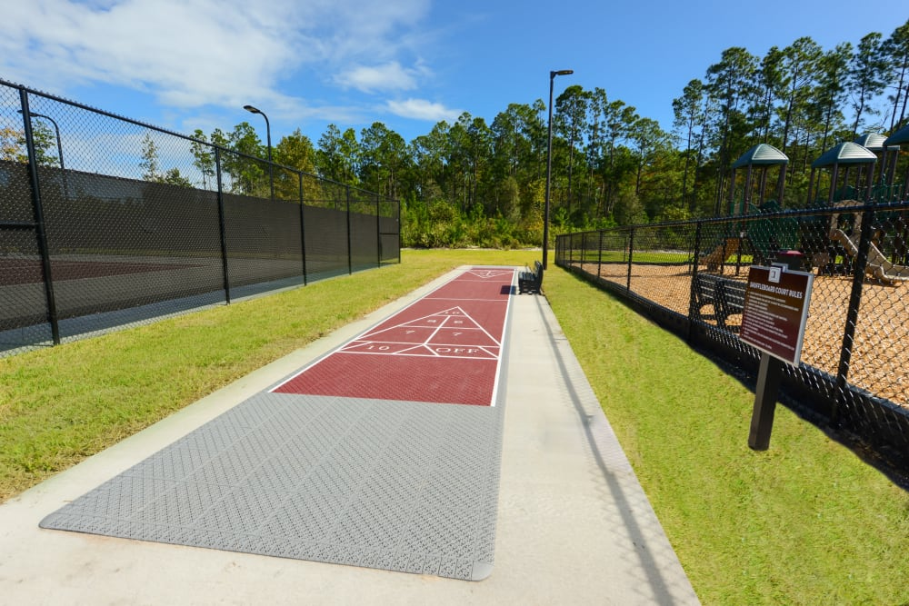 Luxor Club offers a shuffleboard court at Jacksonville, Florida