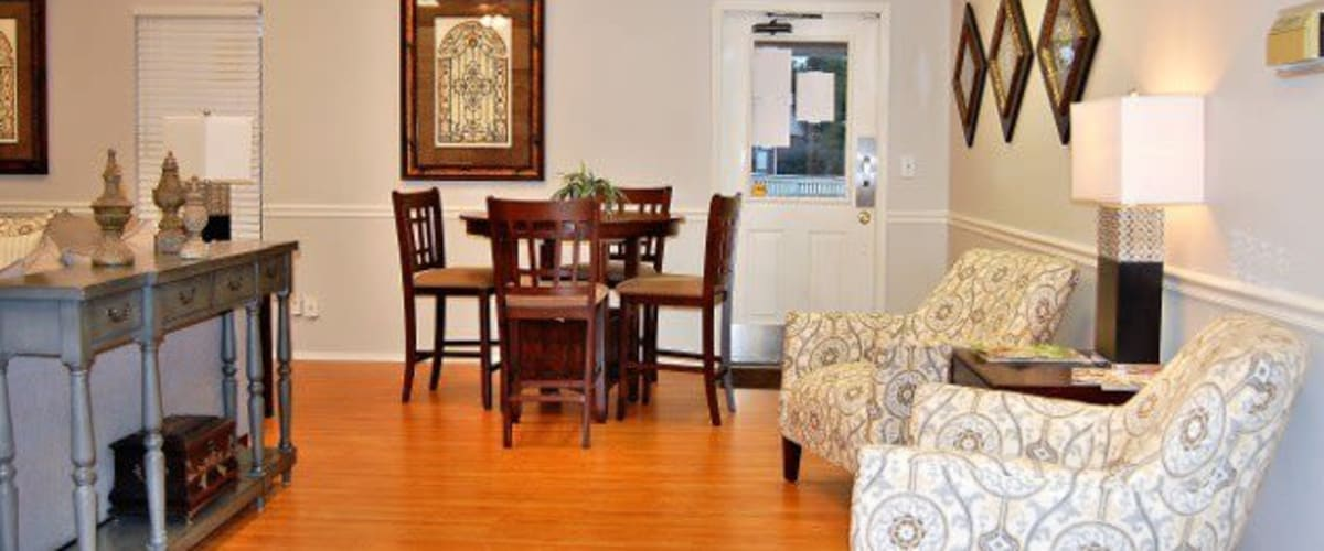 A spacious dining room at Meadow Wood Apartments in Smyrna, Tennessee