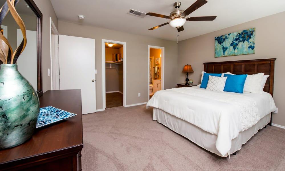 Modern bedroom at Carrollton Park of North Dallas