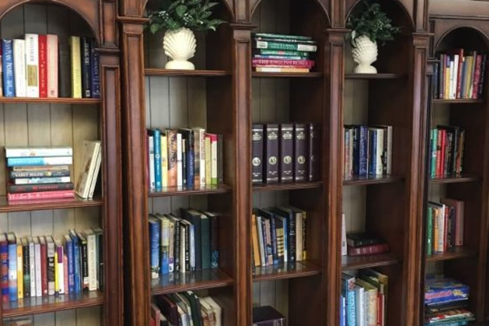 An onsite library at Atlantic at Charter Colony in Midlothian, Virginia