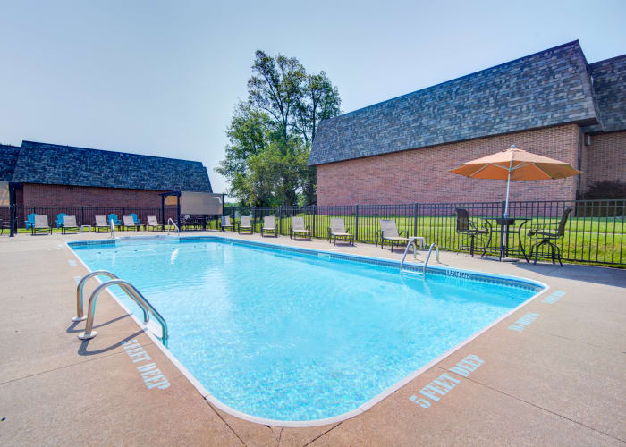 luxury outdoor pool at Kimbrook Manor