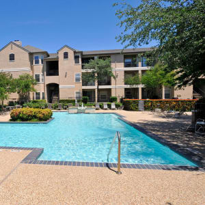 Features & Amenities at Briargrove at Vail in Dallas, Texas