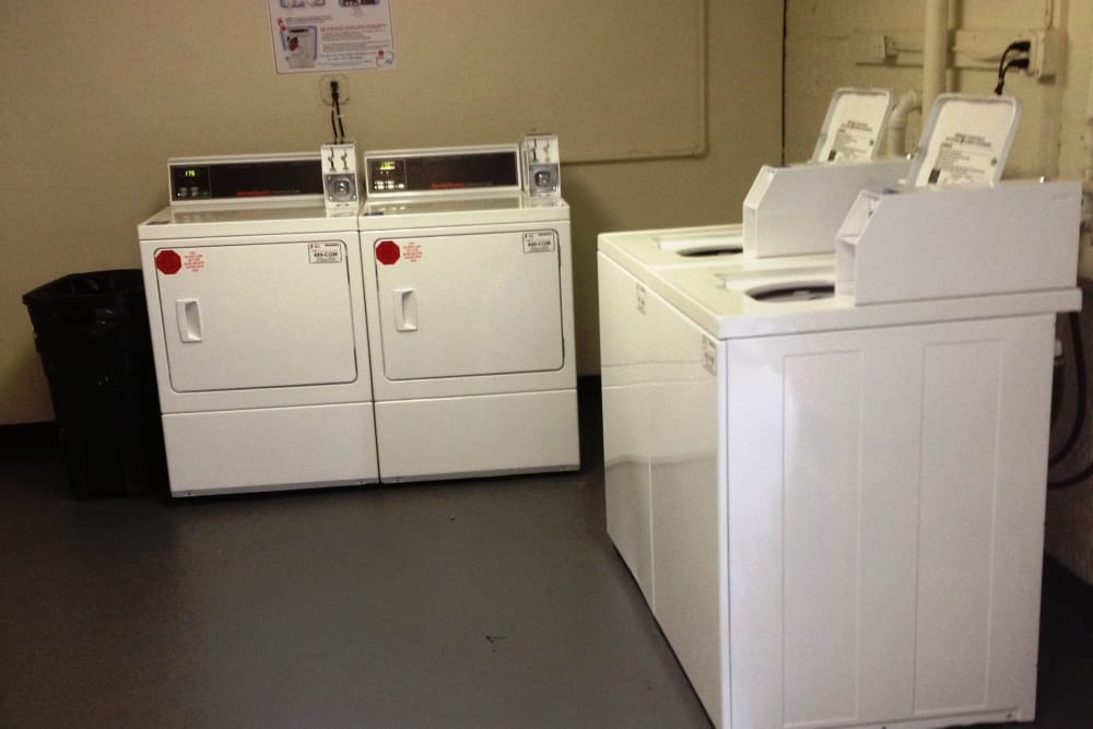 Oakmont Park Apartments offers a laundry facility in Scranton, Pennsylvania