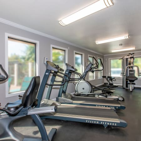 Community and unit amenities at Sommerset Apartments in Vacaville