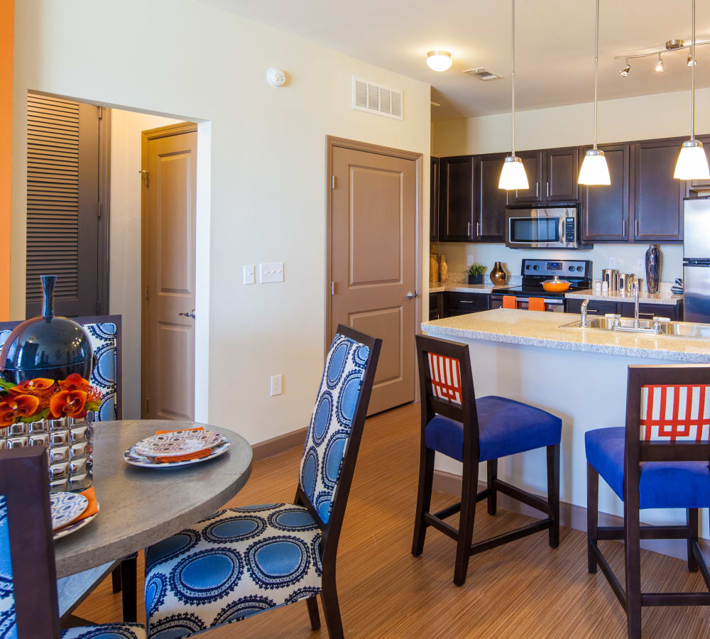Beautiful apartment features at The High Grove in Baton Rouge, Louisiana