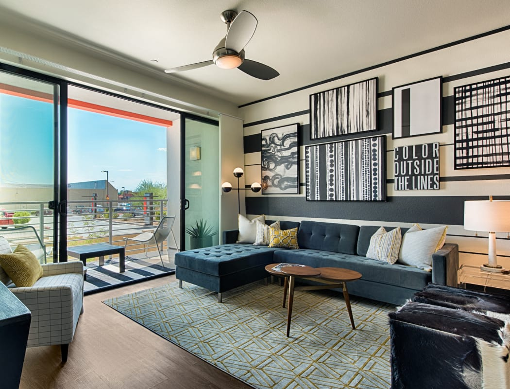 Apartment features at The TOMSCOT in Scottsdale, Arizona