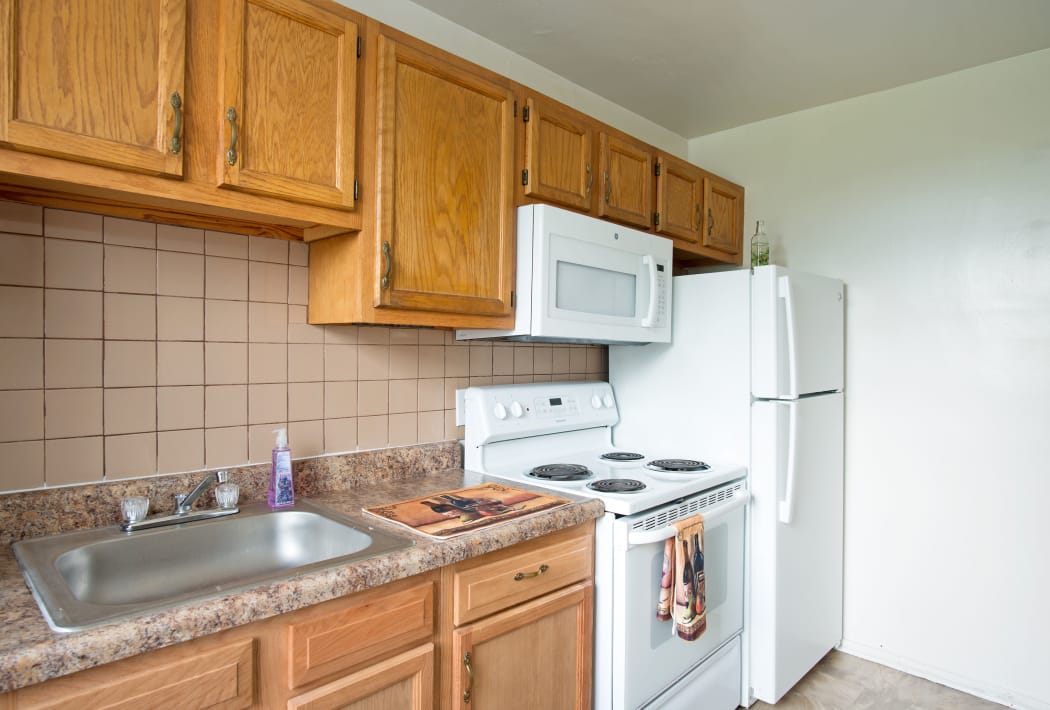Kitchen Room at Loudon Arms Apartments in Albany