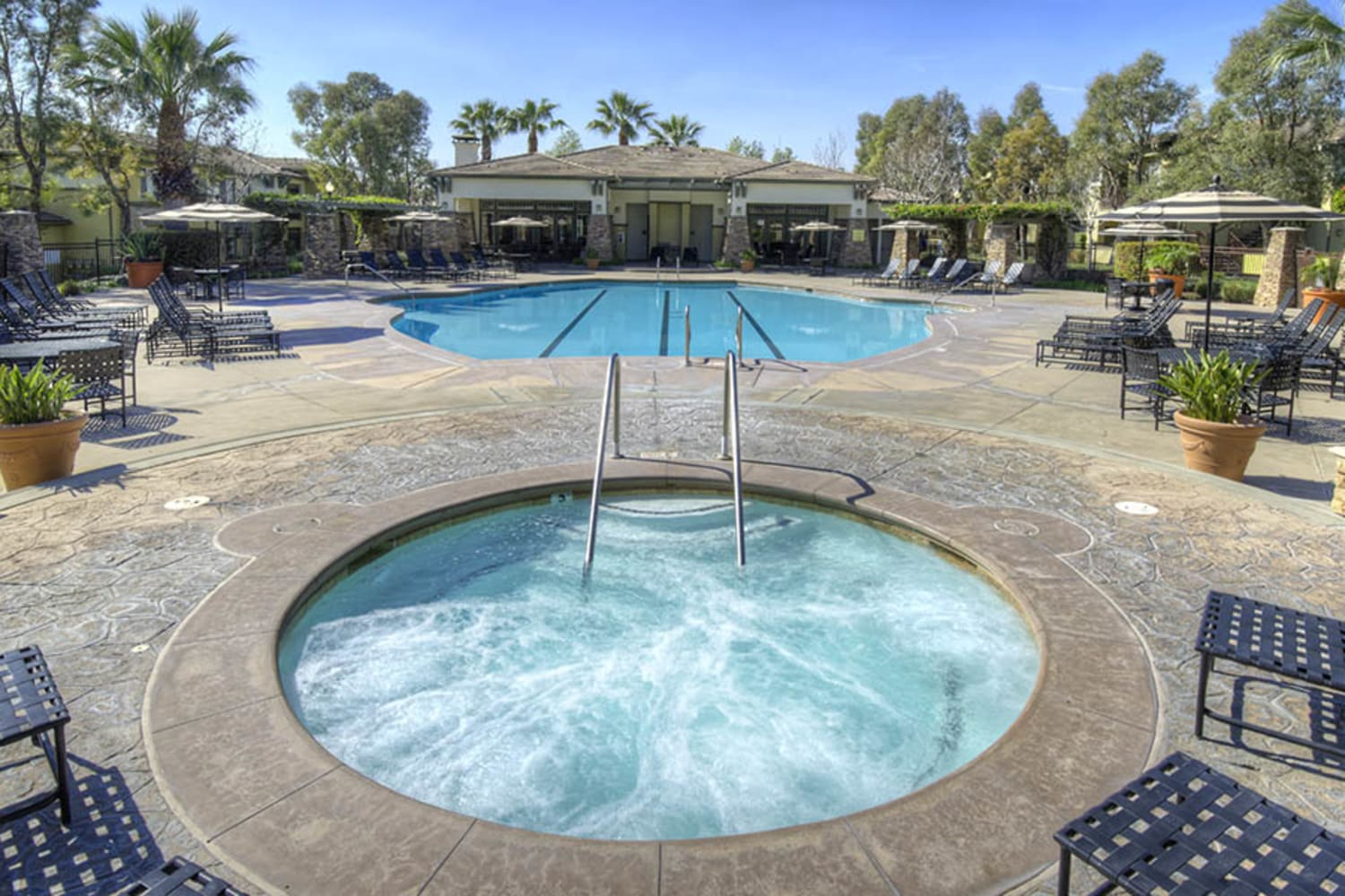 Swimming pool and hot tub at Camino Real in Rancho Cucamonga, California