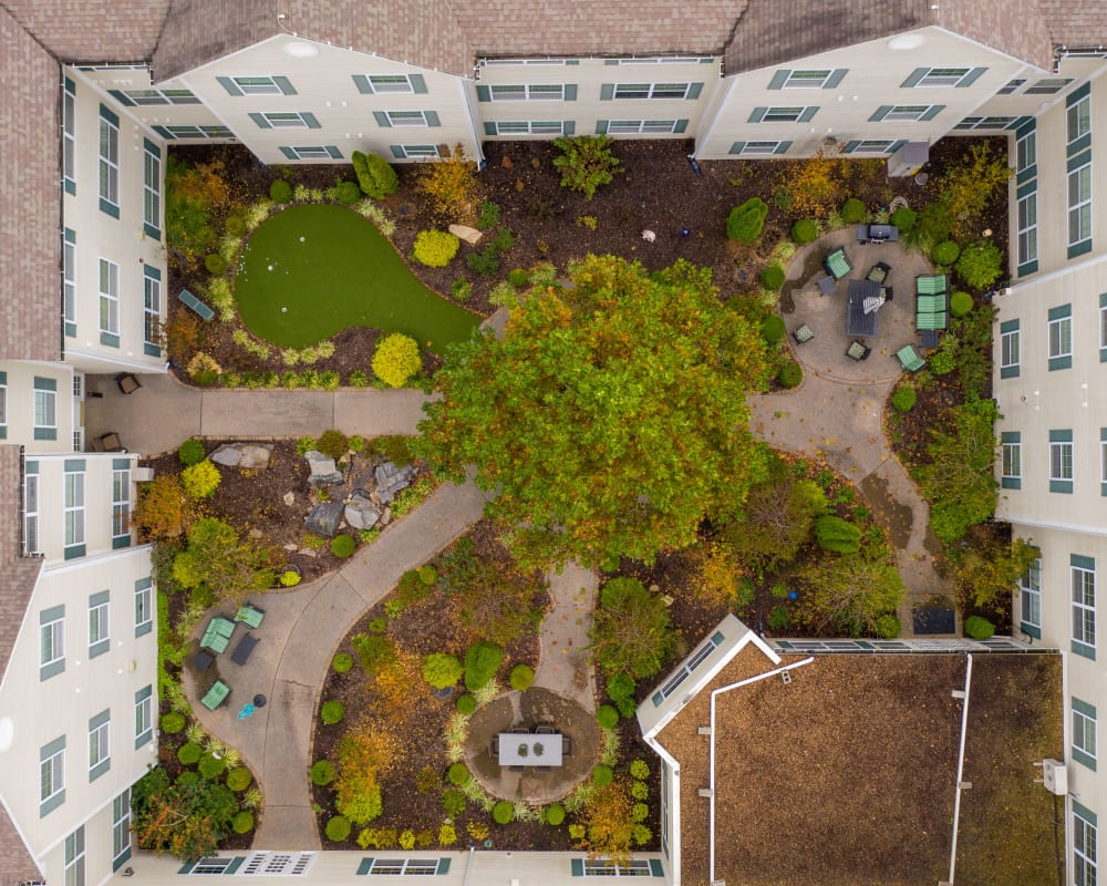 Birds-eye-view of the courtyard encircled by The Hearth at Hendersonville in Hendersonville, Tennessee