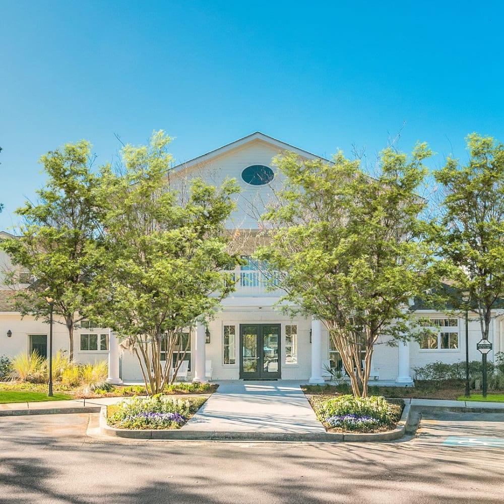 View the site for Ingleside Apartments in North Charleston, South Carolina