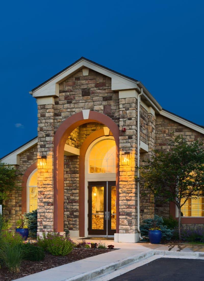 Exterior of Whisper Creek Apartment Homes in Lakewood, Colorado