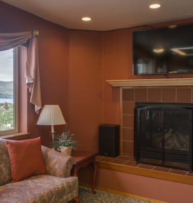 Lounge at Heritage Heights in Chelan, Washington.