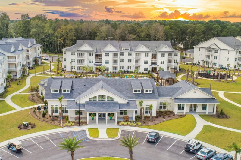 Luxury facilities and buildings atThe Mason in Ladson, South Carolina
