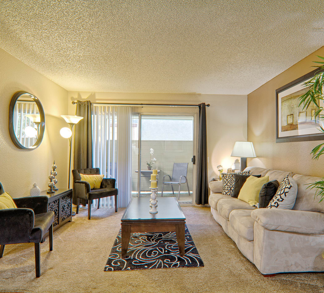 Upgraded 1 2 Bedroom Apartments Townhomes In Lancaster Ca